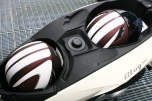 Tappo serbatoio 940.BKE carburante in plastica filettato per scooter Malaguti Blog